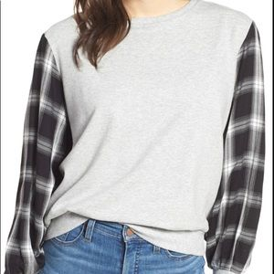 Vince Camuto sz S plaid sleeve sweater